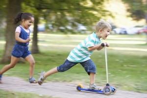 Eine Abmahnung wegen Kinderlärm ist möglich, wenn rücksichtsloses Verhalten vorliegt.