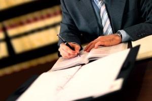 Ein Anwalt für Mietrecht kann Mieter und  Vermieter bei rechtlichen Fragen unterstützen.