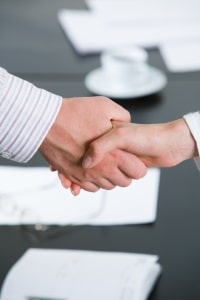 Ein Anwalt in Kronach für Mietrecht kann zwischen Mietern und Vermietern vermitteln.