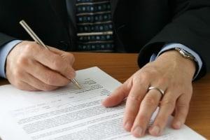 Aufhebungsvertrag: Regelungen zur Miete sollten dem Muster, das verwendet wird, hinzugefügt werden.