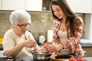 Demenz: Eine betreute Wohngruppe kann eine Alternative zur Heimunterbringung sein.