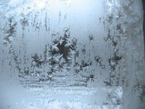 Im Winter häufig: eine eingefrorene Wasserleitung. Eine Mietminderung ist dann möglich.
