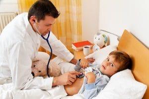 Kranke oder pflegebedürftige Familienangehörige können einen Härtefall bei Eigenbedarf bedeuten.