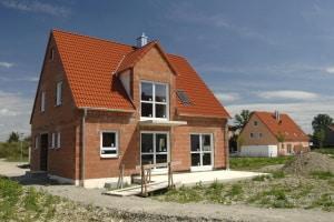 Immobilie kaufen: Ob neu oder alt, Sie müssen vorab klären, was Sie sich leisten können.