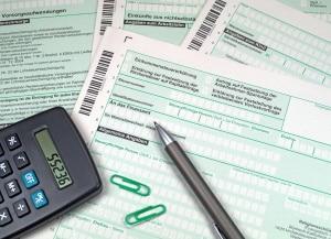Immobilienverrentung: Ob eine Steuer anfällt, kommt auf den Einzelfall an.