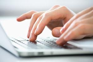 Die kommentarlose Zustimmung zur Mieterhöhung reicht aus. Vermieter haben keinen Anspruch auf eine schriftliche Zustimmung.