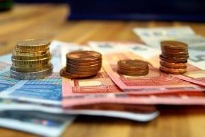 Bei einer Kündigung wegen Eigenbedarf stellt die Abfindung einen finanziellen Ausgleich für Mieter dar.