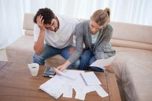 Eine Kündigung vom Mietvertrag ist unwirksam, wenn zum Beispiel vom Vermieter keine Gründe angegeben werden.