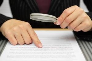 Nur wenn es ausdrücklich im Mietvertrag steht, müssen mit der Miete auch Nebenkosten bezahlt werden.