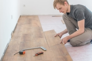 Möchten Mieter eine größere Renovierung vornehmen, brauchen sie die Zustimmung ihres Vermieters.