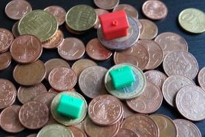 Mieter können mit der Mietkaution sparen. Ein Sparbuch oder Sparkonto können angelegt werden.