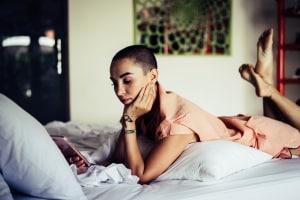 In der Regel ist die Nachtruhe von 22 bis 6 Uhr mit Zimmerlautstärke einzuhalten.