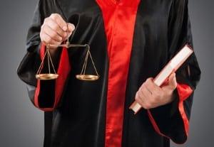 Ein Rechtsanwalt in Berlin, der auf Mietrecht spezialisiert ist, kann Ihnen bei der Mietminderung helfen.