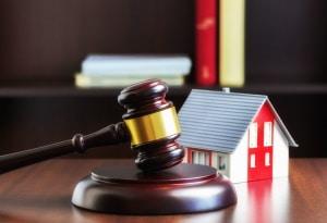 Stehen einem Vermieter aktuelle Mietspiegel nicht zur Verfügung, kann er drei vergleichbare Wohnungen in der Umgebung heranziehen.