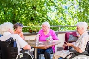Weit verbreitet ist z. B. die Studenten-Wohngemeinschaft oder die betreute Wohngemeinschaft für Senioren.